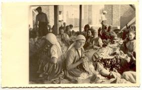 Архив Изгубената България - Низане на тютюн
